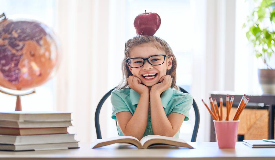 Tylko angielski na zajęciach dla dzieci – kiedy ma to sens?